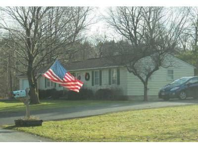 3 Bed 1 Bath Foreclosure Property in Chittenango, NY 13037 - Valley Dr W