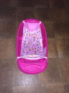 Infant/baby bath tub infant attachment is removable