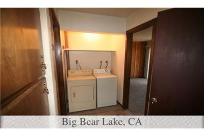 Beautiful Big Bear Lake Guesthouse for rent. Single Car Garage!