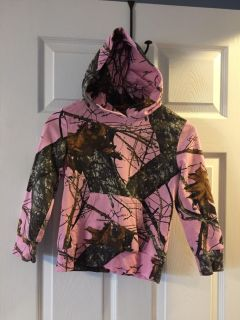 Mossy oak pink camp hooded jacket - size small 6-6x