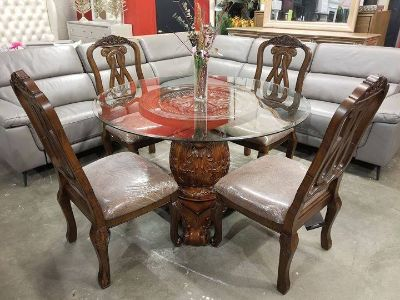 **$1,850 MSRP** NEW! Elegant, Wells Traditional Dining Table Set
