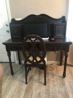 Disney Princess Cherry Wood Desk with Hutch & Matching Chair