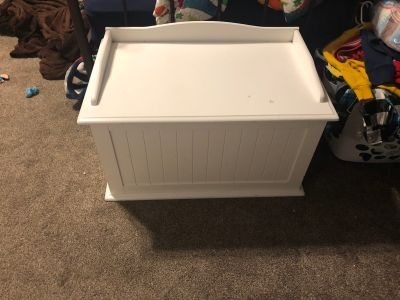 Toy box pet free smoke free home. $25