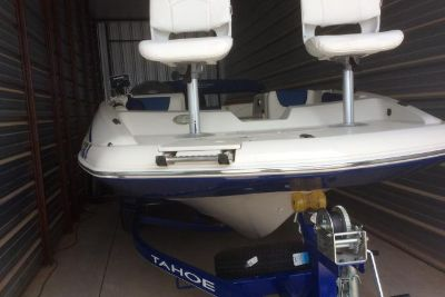 2016 Tahoe 2150 Deck Boat