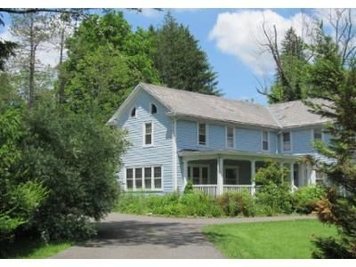 4 Bed 2 Bath Foreclosure Property in Sciota, PA 18354 - Strawberry Hill Rd