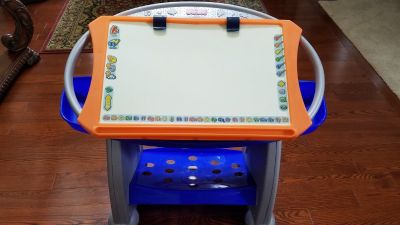 Kids easel Fisher Price