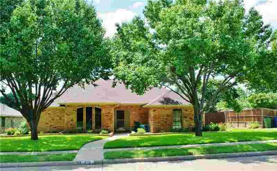 310 Rustic Ridge Drive GARLAND Three BR, Great one story home in