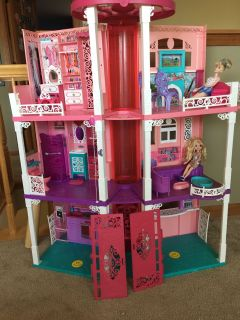 Barbie dill house