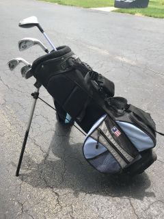 Kids golf bag with clubs