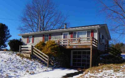 6237 Route 119 Punxsutawney, Country living on 1.4 acres.