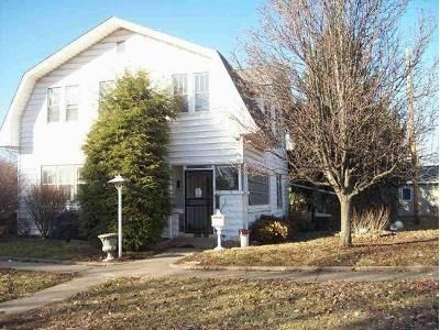 3 Bed 1.5 Bath Foreclosure Property in Linton, IN 47441 - C St NW