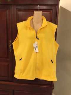 15.00 NWT XXL gorgeous cite 365 by Northend gold vest. Wear open or zipped.