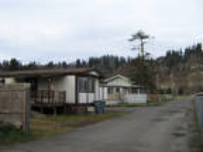 T and T Mobile Home Park