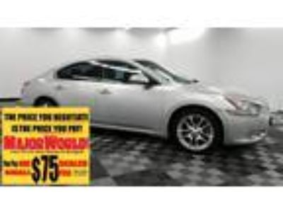 $5800.00 2010 Nissan Maxima with 98600 miles!