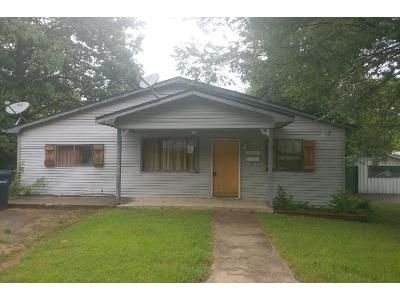 3 Bed 1 Bath Foreclosure Property in Webb City, MO 64870 - Crow St