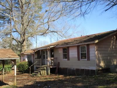 3 Bed 1.0 Bath Preforeclosure Property in Luthersville, GA 30251 - Cobb Ln