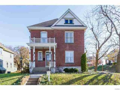 602 North 6th Street Saint Charles, Possible Bed & Breakfast