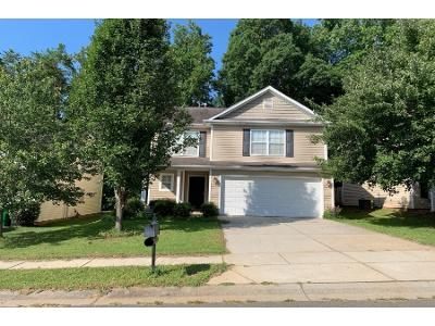 3 Bed 2.5 Bath Preforeclosure Property in Charlotte, NC 28212 - Aragorn Ln