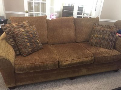 Living Room Set (couch, loveseat, coffee table, 2 end tables)