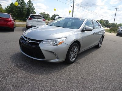 2017 Toyota Camry SE (Silver)