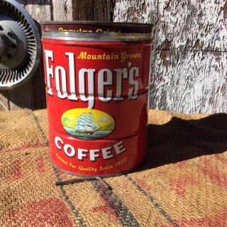 VINTAGE 1959 FOLGER'S MOUNTAIN GROWN 2 POUND COFFEE TIN WITH LID AND KEY