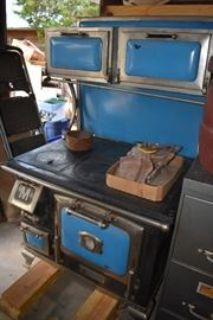 Huge Tool, Antiques, Hunting, Fishing, Glassware and more