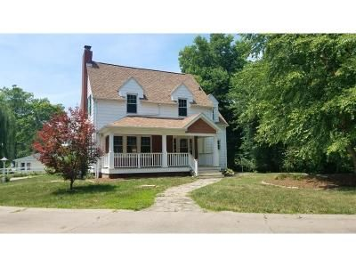 2 Bed 2 Bath Foreclosure Property in Rock Island, IL 61201 - 30th St