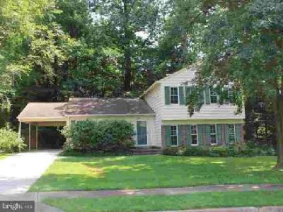 8907 Longmead CT Burke Four BR, Single Family home on Lovely
