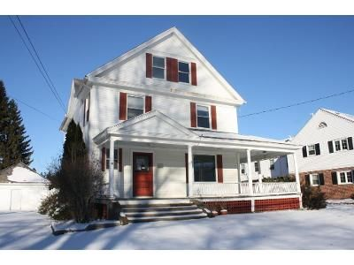 4 Bed 2 Bath Foreclosure Property in Hatfield, MA 01038 - School St