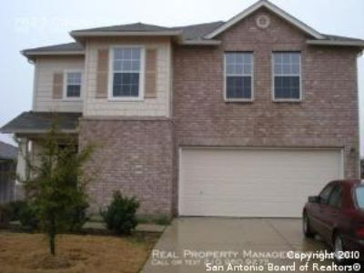 Spacious 3 bedroom w/ 2.5 baths Will go quick Call Now!!!!!!