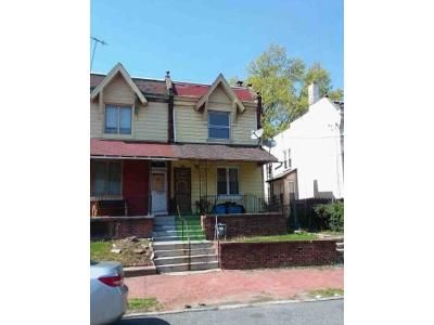 4 Bed 1 Bath Foreclosure Property in Chester, PA 19013 - W 8th St