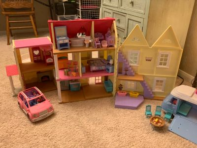 Fisher price dollhouse.