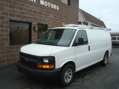 2013 Chevrolet Express 1500 1500 (Summit White)
