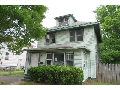 4 Bed 2 Bath Foreclosure Property in Red Bank, NJ 07701 - Shrewsbury Ave