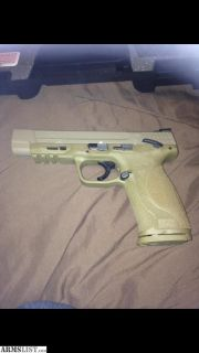 For Sale: Smith and Wesson .40