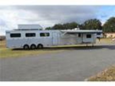 2018 Shadow Trainers Trailer Deluxe 6H 16.6' LQ 6 horses