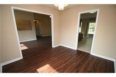 Hope Mills, Great Location, 3 bedroom House. Washer/Dryer Hookups!