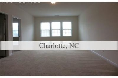 Pet Friendly 5+3 House in Charlotte