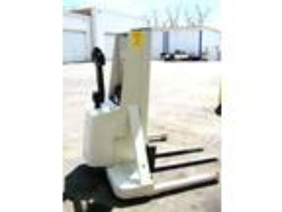 Electric Crown 20MT Electric Walkie Straddle Stacker