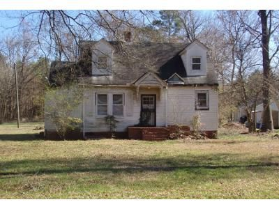 4 Bed 2 Bath Preforeclosure Property in Durham, NC 27704 - Denfield St