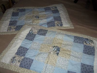 REDUCED-Set of King Sized Quilt Pattern Like Bed Pillow Shams
