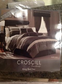Croscill Home Portland King Bed Set w/2 sets of matching drapes and 3 matching valances