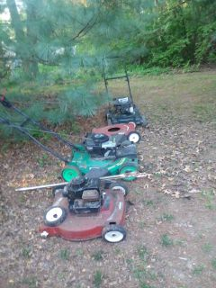 Free --- push lawn mowers for parts or rebuild