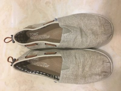 TOMS size 4.5 y, for size 6-6.5 women s