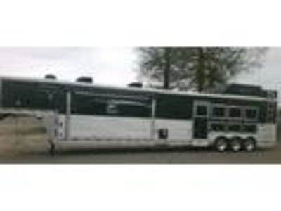 2014 Lakota big horn 4trailer with living Corders horse