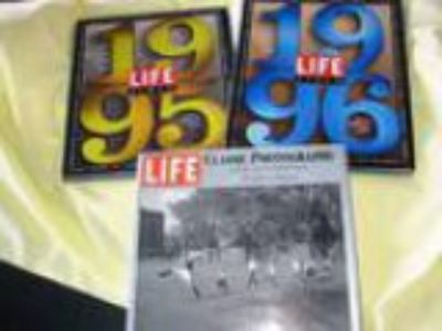 and LIFE Pix of the Yr () bonus books (East side of