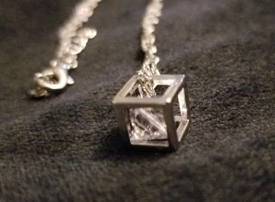 .925 Silver Necklace w/ Floating Cube. Clear stone in Cube