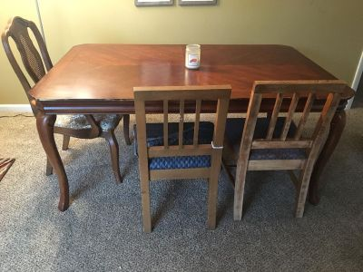 6 Kitchen table and chairs