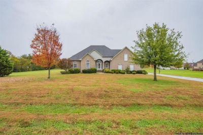 3bd 2.5ba Home for Sale in Castalian Springs ($315,000)