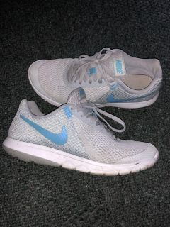 Women s Nike shoes size 8 or 8.5